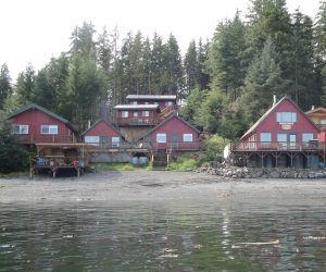Hunting & Fishing Lodge in Alaska
